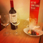 Mys med rött vin, choklad och jordgubbar