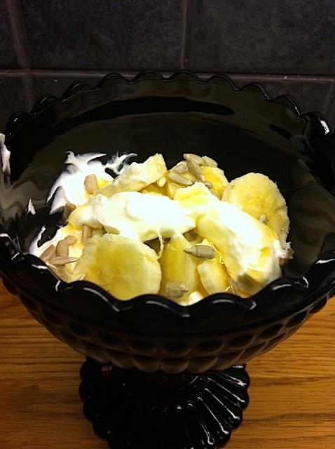 Kesella med banan/solrosfrön/honung