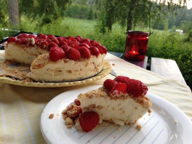 Frozen Cheesecake med jordgubbar