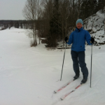 Emelie åker längdskidor